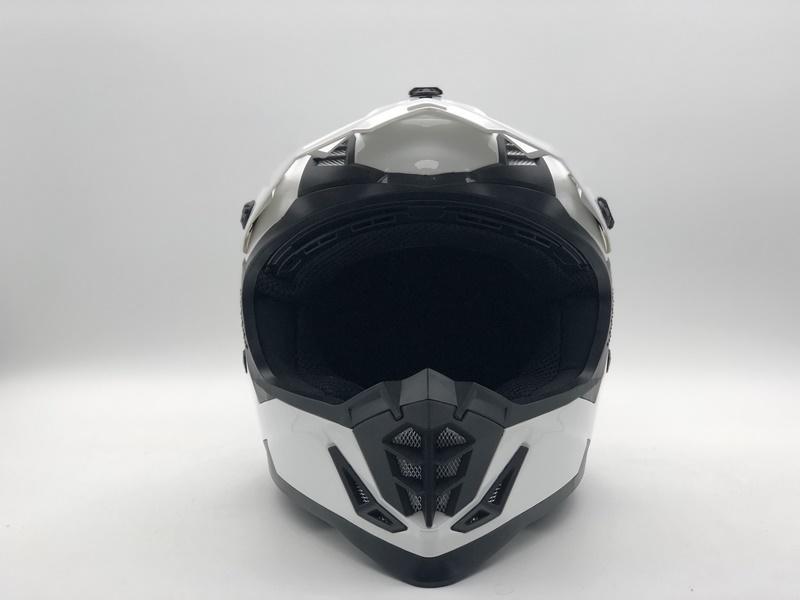 https://www.stwin-helmet.com/data/images/product/20190617091815_327.jpg